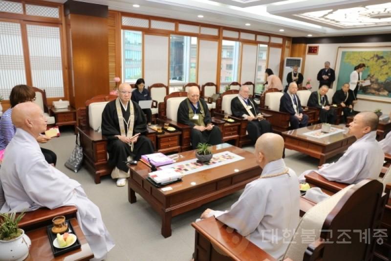 韩日佛教文化交流协议会主要人士礼访总务院长
